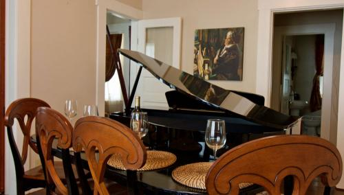 Notice the Beethoven art behind the piano